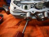 闇を抱えたエンジンシリンダーヘッドオイル下がり原因調査 (2)