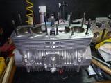 1号機エンジン組立て111006秋 (1)