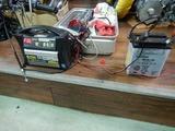 枚方T様Z750RS継続車検バッテリー充電 (2)