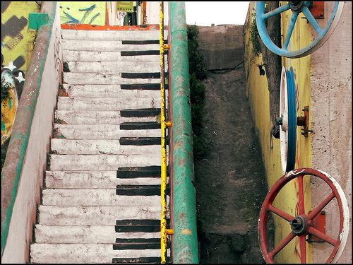 Piano escalera - 無料写真検索fotoq