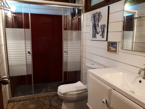 テンムーン バスルーム(洗面台・トイレ・シャワー)