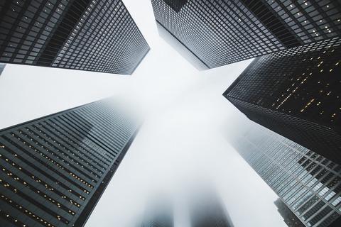 skyscrapers-1081737_1920 (1)