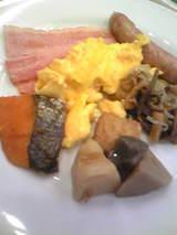 ホテル軽井沢での朝食(ベーコン、鮭、ソーセージ・・・)