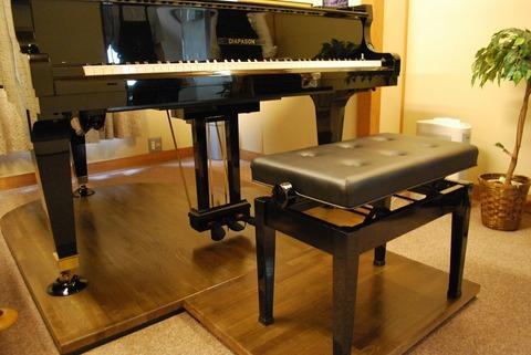 ピアノ架台