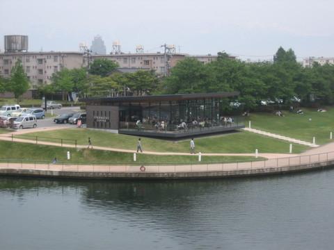 環水公園横のスターバックス