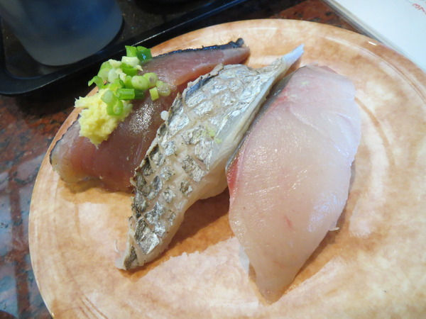 小腹が空いていたから祭ばやしで寿司をつまむ