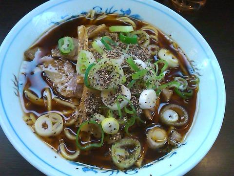 大喜大島店のラーメンはよくかき混ぜてから食べる