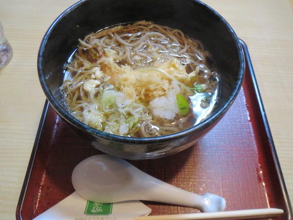清水東京亭の天ぷらそばは出色の出来栄え