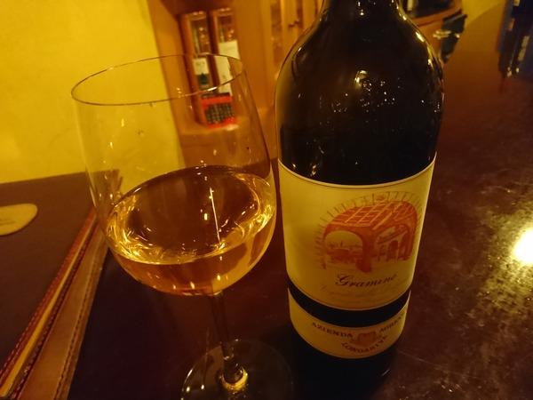ラコントで赤でもなく白でもなくロゼでもないワイン