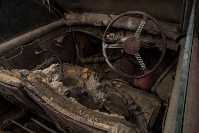 retro_cars_garage_12