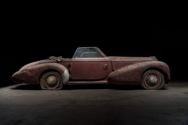 retro_cars_garage_10