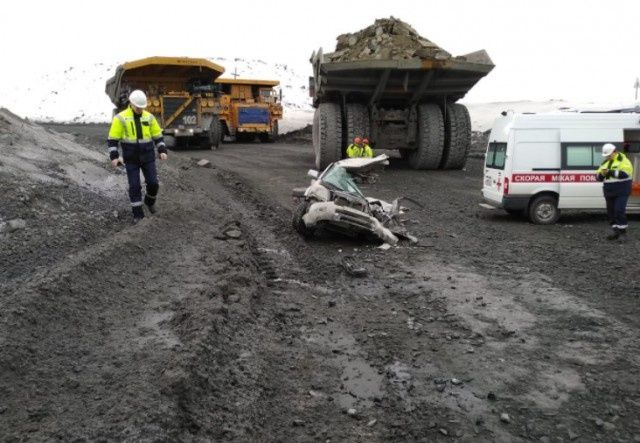 dump_truck_accident_02