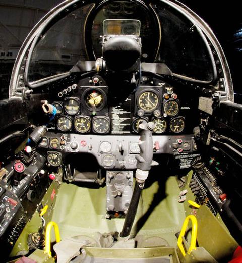 アメリカのジェット戦闘機とコッ...