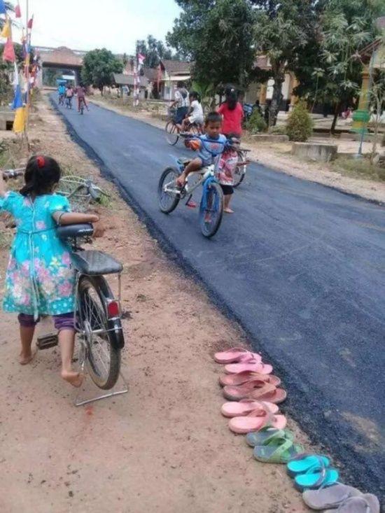 village_has_decent_road_01
