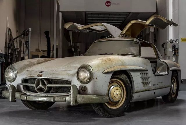 mercedes_benz_gullwing_01