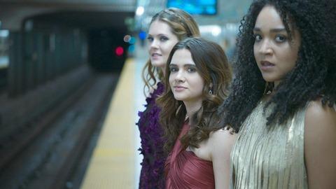 海外ドラマ「NYガールズ・ダイアリー」シーズン1第1話 メーガン・ファヒーとケイティ・スティーヴンスとアイシャ・ディー
