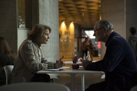 イギリス映画「ベロニカとの記憶」シャーロット・ランプリングとジム・ブロードベント