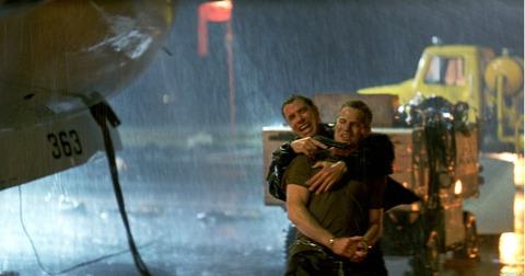とにかく映画が好きなんです タグ:ジョン・トラボルタ    海外ドラマ「アメリカン・クライム・ストーリー」<O・J・シンプソン事件>エピソード2『命がけの逃走』カーチェイスを全国生中継するTV!キューバ・グッディング・Jr 主演【感想】海外ドラマ「アメリカン・クライム・ストーリー」<O・J・シンプソン事件>エピソード1『被疑者O・J・シンプソン』エミー賞受賞作品。キューバ・グッディング・Jr 主演【感想】「リベンジ・リスト」久々のトラボルタのキレッキレのアクションに注目!!愛する人のため怒れる男となった元工作員の復讐劇!ジョン・トラボルタ主演映画【感想】「アルティメット・サイクロン」災害パニック映画と思わせて電線工事作業員の話だった残念作品。邦題が内容とかけ離れすぎてる実話の映画化。ジョン・トラボルタ主演【感想】「クリミナル・ミッション」予想外に楽しめたクスッと笑える犯罪サスペンス映画。ラストにどんでん返しあり!ダン・スティーヴンス主演【感想】「シビル・アクション」実際にあった大企業の環境汚染の訴訟を映画化。しかし結末にモヤモヤし、スッキリしなかった。ジョン・トラボルタ主演【感想】「炎のメモリアル」人命救助を誇りに火事と闘う消防士たちの姿に感動。ホアキン・フェニックス、ジョン・トラボルタ主演映画【感想】【予告編あり】「閉ざされた森」ストーリーが二転三転して先が読めない面白さ!!誰もがこのどんでん返しにダマされる。ジョン・トラボルタ主演映画【感想】「将軍の娘/エリザベス・キャンベル」ジョン・トラボルタ主演。陸軍の訓練基地で見つかった女性の変死体の謎を解くサスペンススリラー映画【感想】「ママが遺したラヴソング」長い間会っていなママが遺してくれたのは、一軒の家と愛する人たち。スカーレット・ヨハンソン主演、ジョン・トラボルタ共演映画【感想】                  とえ