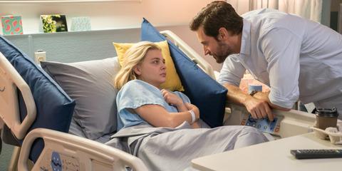 映画「彼女が目覚めるその日まで」クロエ・グレース・モレッツ