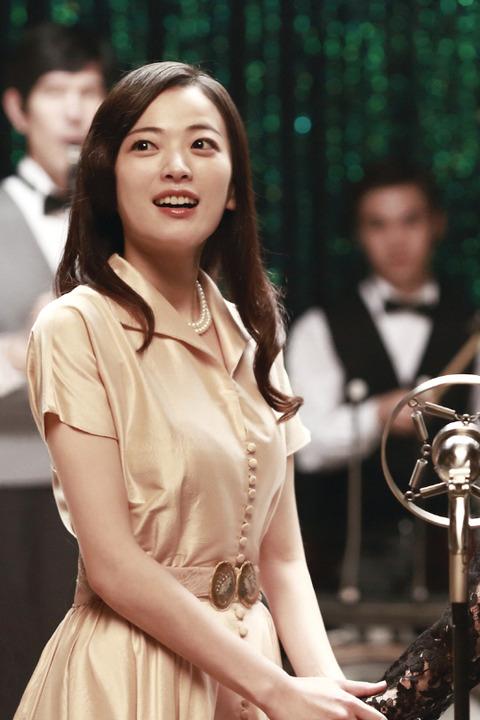 韓国映画「愛を歌う花」チョン・ウヒ