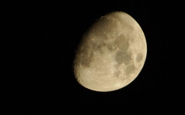 【K200D】望遠で月を撮影してみた