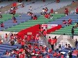 07年5月13日浦和レッズ対ガンバ大阪でスタジアムを赤くするレッズサポーター
