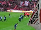 07年4月7日浦和レッズ対ジュビロ磐田戦で観客に向かって挨拶する浦和選手