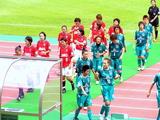 前半終了で控え室に戻る伊賀&レディース選手07年7月8日浦和レッズレディース対伊賀