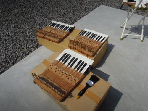 工房のおこわと野村さまのピアノ修理 008