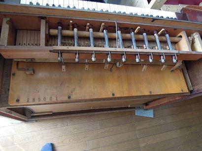 金田教会のオルガン修理 002
