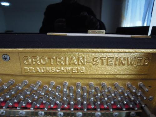 グロトリアン・スタインウェイ 002