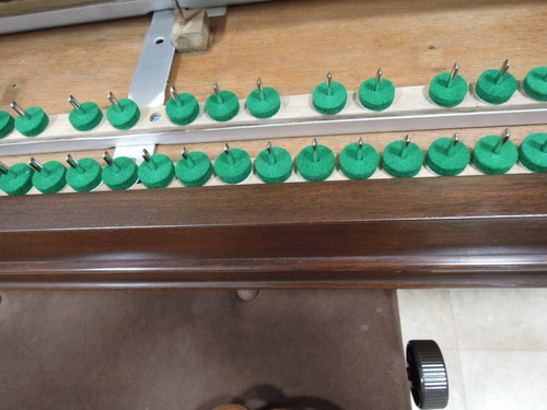 佐藤さんのピアノの塗装 001