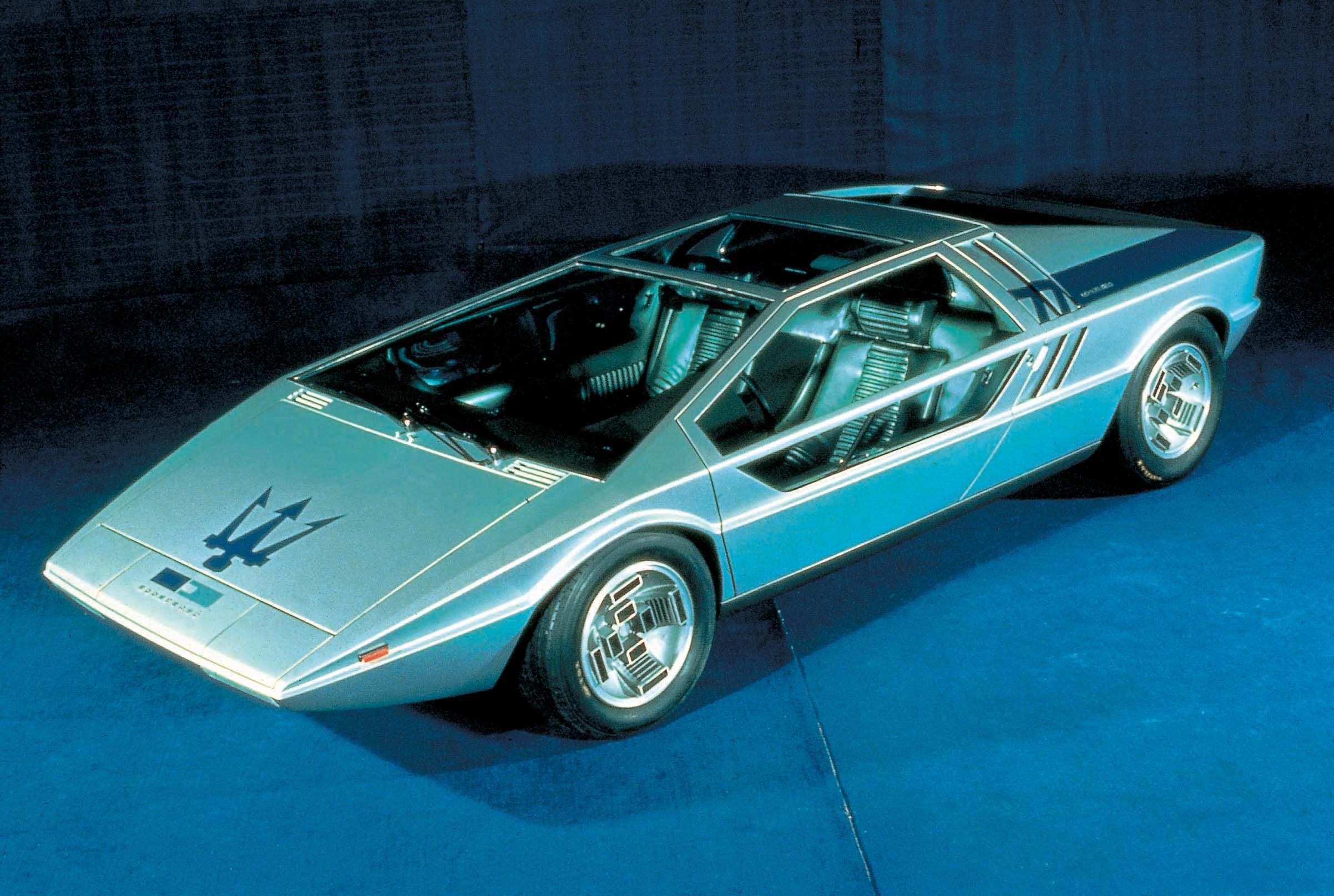 ... と いすゞピアッツァ:1972 - Maserati Boomerang