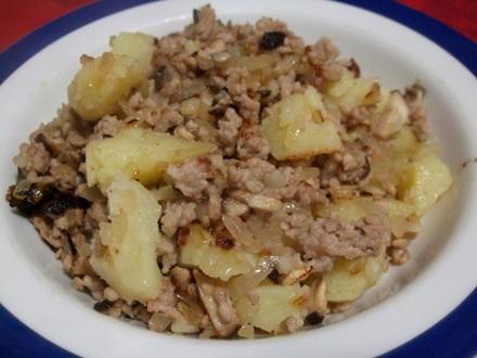 豚挽肉とジャガイモ