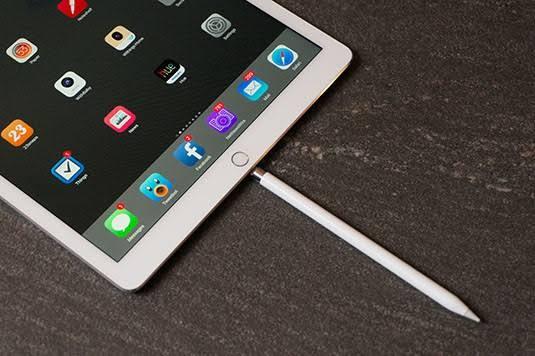 Apple「iphoneに新しい機能か…せや!」