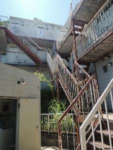 古いアパート2