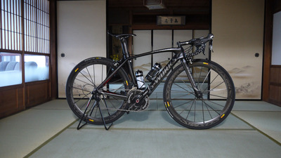 和室にロードバイク4
