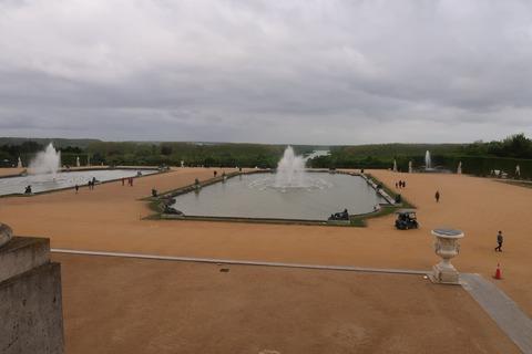 Versailles211A宮殿正面池の噴水