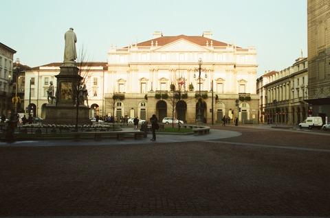 200111初冬のミラノ スカラ座正面