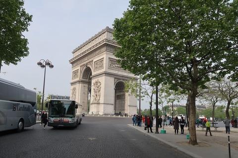 Paris凱旋門北東から201905
