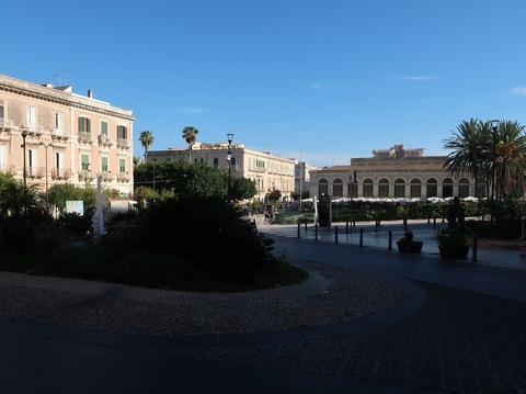 アポロ神殿跡と7月25日広場