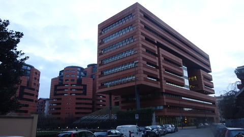SestoSGのカンパリ本社ビル201803