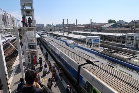 レンヌ駅に到着済TGV