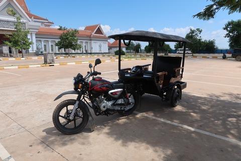 002トゥクトゥクカンボジア型近影