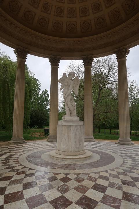VersaillesPetit Trianon423愛の殿堂内部キューピッド