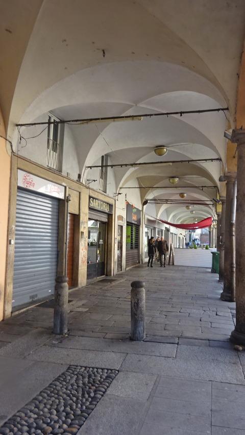 パヴィアのカバネリア広場界隈 (3)