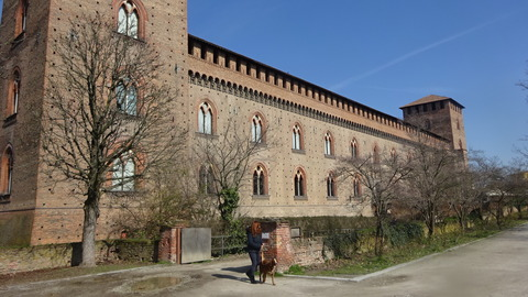 パヴィア城と周囲の公園風景 (4)