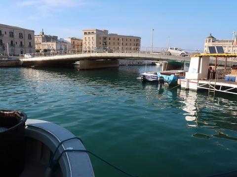 サンタルチア橋横