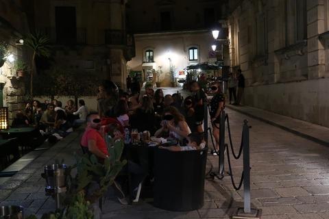 RagusaRisorante夏の夜の賑わい