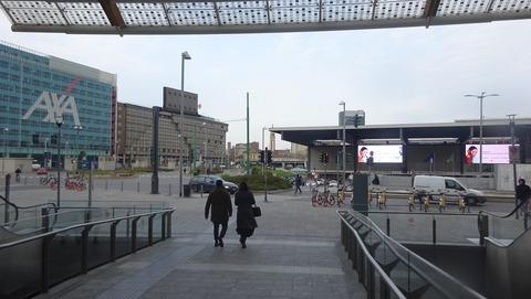電TDポルタガリバルディ駅前とAXAビル